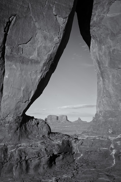 Teardrop Arch, Monument Valley, AZ
