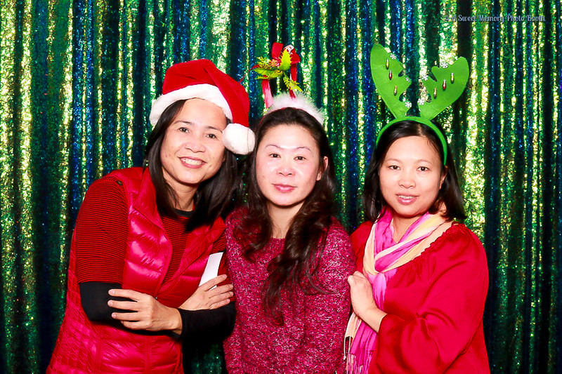 Medtronic Holiday Party -11.jpg