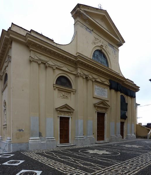 Camogli, the church; wide angle shot made of 7 images stitched together.  Camogli; foto realizzata unendo insieme 7 scatti singoli