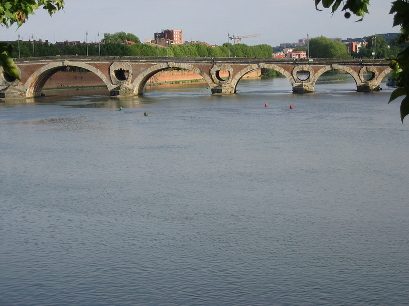 Yet another Toulouse bridge.