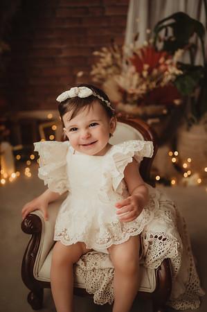 Ana, 1 an