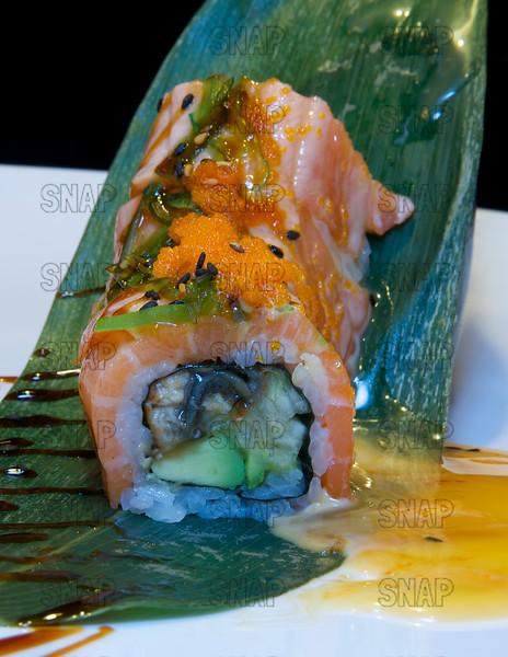 Caterpillar Roll Sushi - CLOSEUP