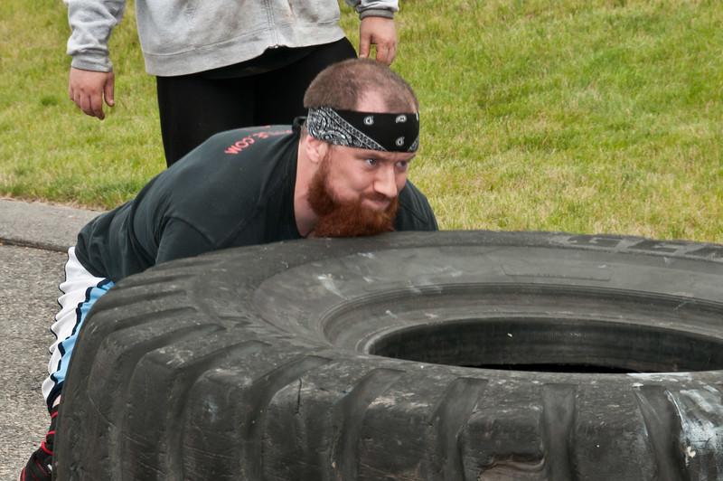 Fitness Revolution Strongman Challenge 2011_ERF4280.jpg