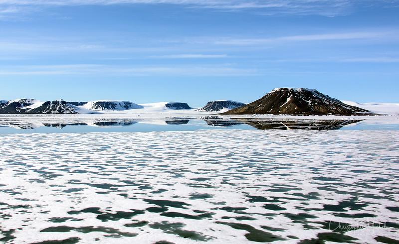 Sea Ice and Mountains on Franz Josef Land.jpg