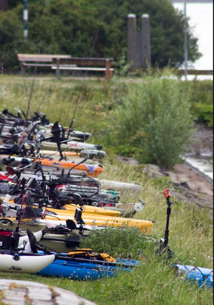 World-Predator-Classic-Kayak-open-...ready-now.png