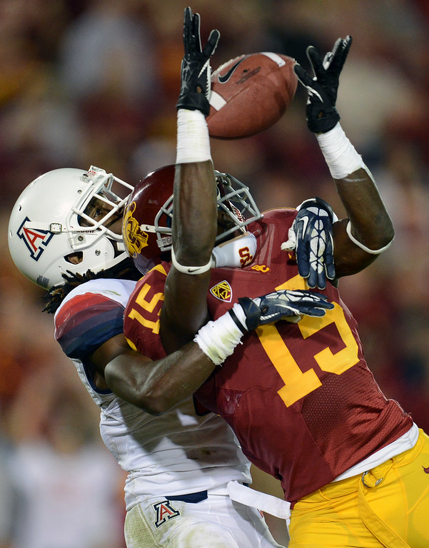 . USC\'s  Nelson Agholor #15 can\'t hang on to a pass in the end zone during their game against Arizona at the Los Angeles Memorial Coliseum Thursday, October 10, 2013. USC defeated Arizona 38-31. (Photo by Hans Gutknecht/Los Angeles Daily News)