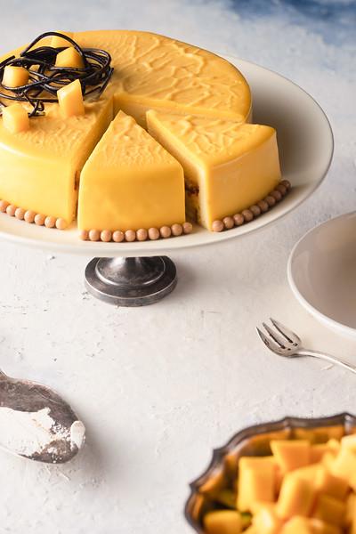 Chụp hình thức ăn bánh Âu NewWorld Hotel