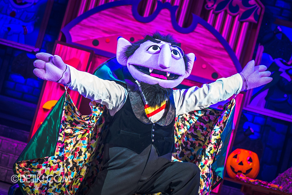 Halloween Horror Nights 7 Before Dark 2 Preview Update / New Show at Pantages Hollywood Theatre - Trick or Treat with Sesame Street - The Count