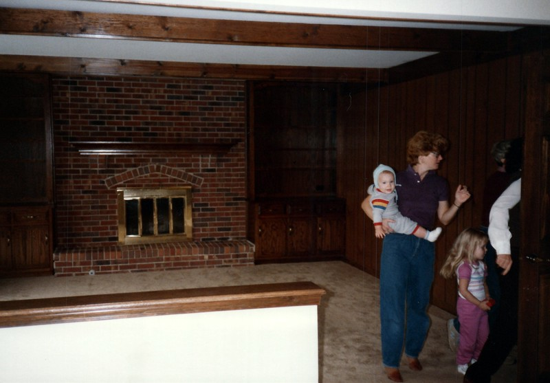 1984_October_Househunting_in_Illinois_0010_a.jpg