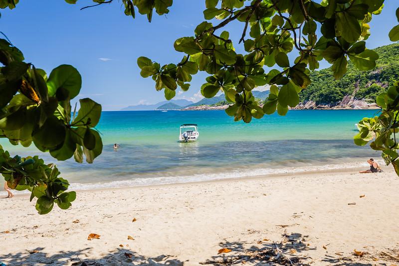 Parnaioca Beach in Ilha Grande