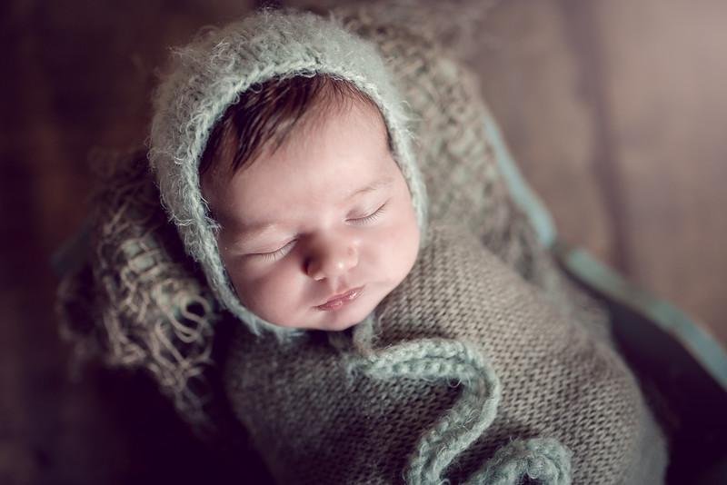 Newborn Lois-2-4.jpg