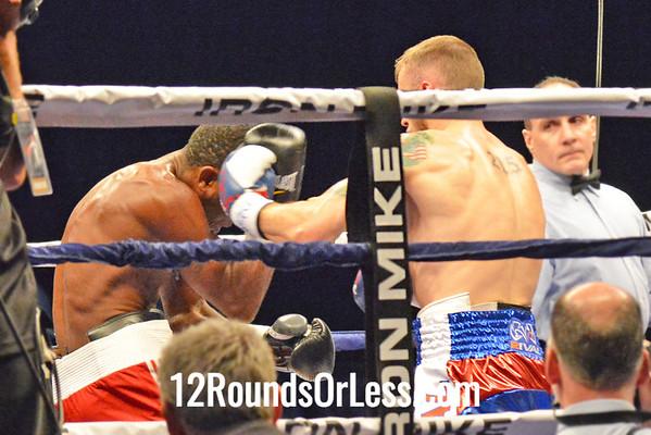 Bout 8=Main Event, Sammy Vasquez(Red Corner), Monessen, PA -vs- Alberto Mosquera(Blue Corner), Curundu, Panama, Welterweight