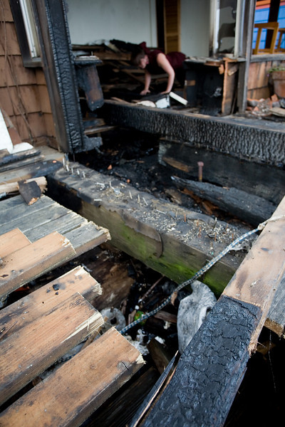 _MG_9273~-(Houseboat_fire).jpg
