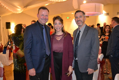 Chamber of Commerce Holds Installation Dinner