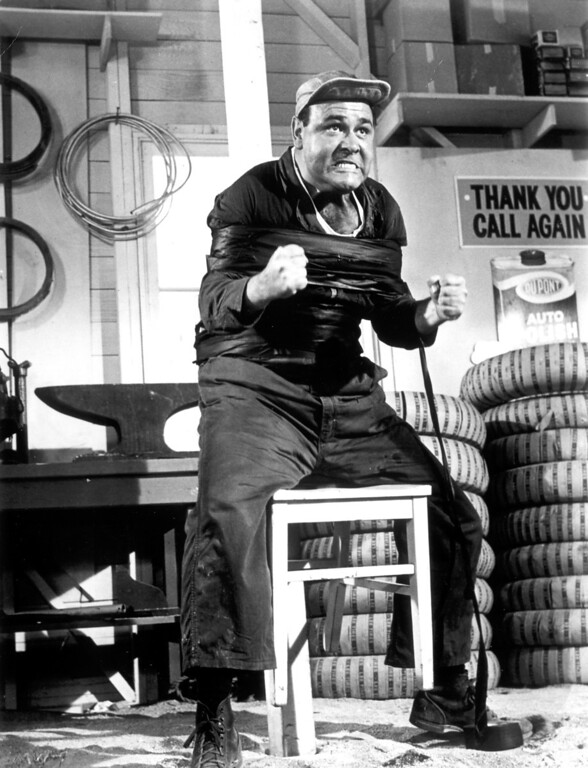 """. Jonathan Winters in \""""It\'s a Mad, Mad, Mad, Mad World.\""""   Daily News file photo"""