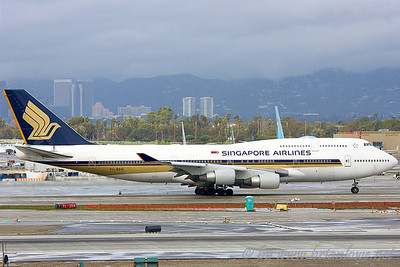 LAX - Airplanes landing and takeoffs from 7L & 7R