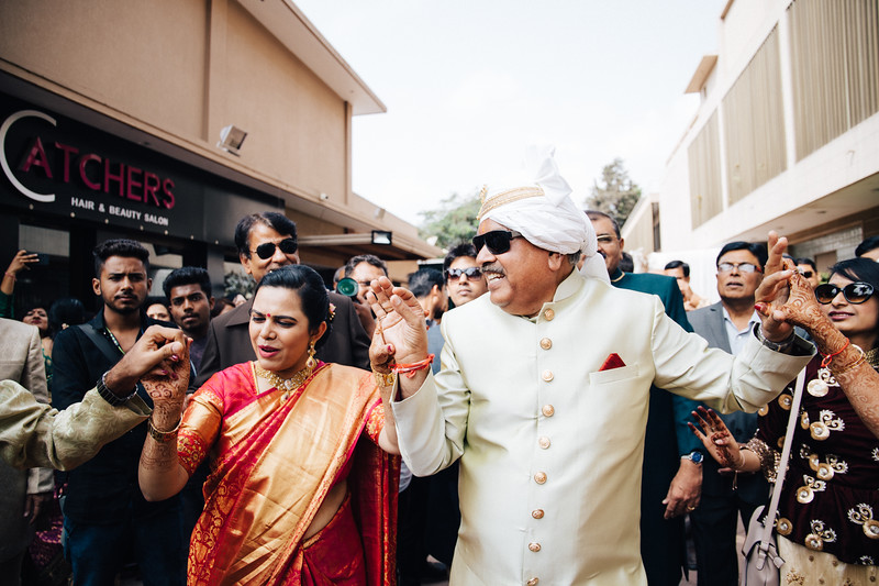 Poojan + Aneri - Wedding Day EOSR Card 1-1255.jpg
