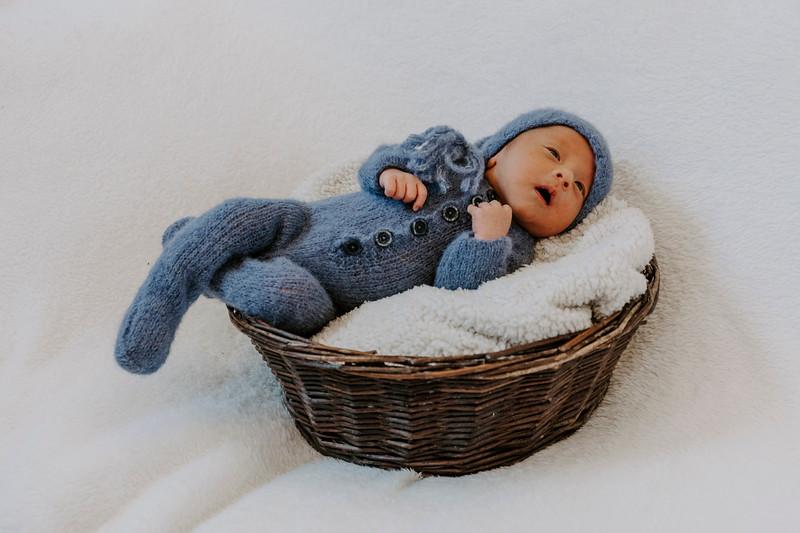newborn-harrison_7.jpg