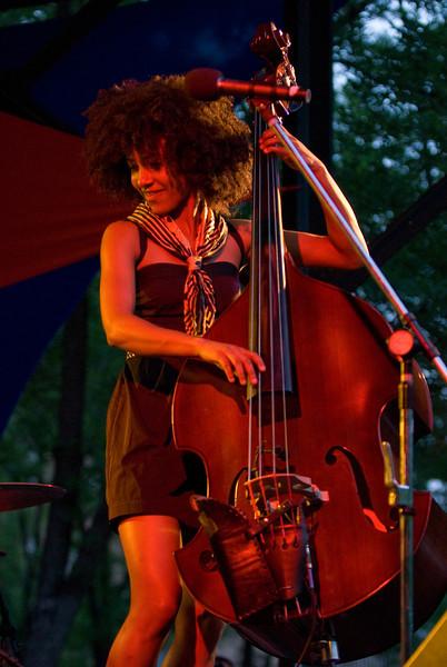 Esperanza Spaulding-2009 Twin Cities Jazz Festival--Mears Park, St Paul MN---Mus-8002