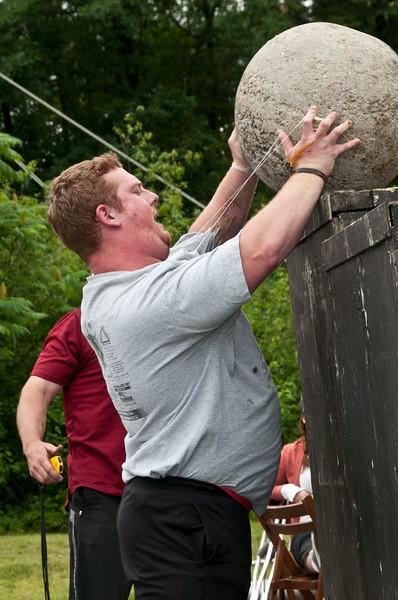 Fitness Revolution Strongman Challenge 2011_ERF4455.jpg