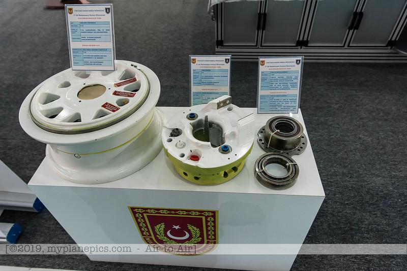 F20180425a091832_4899-exposition-vendeurs-sellers-industrie.JPG