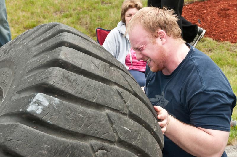 Fitness Revolution Strongman Challenge 2011_ERF4254.jpg