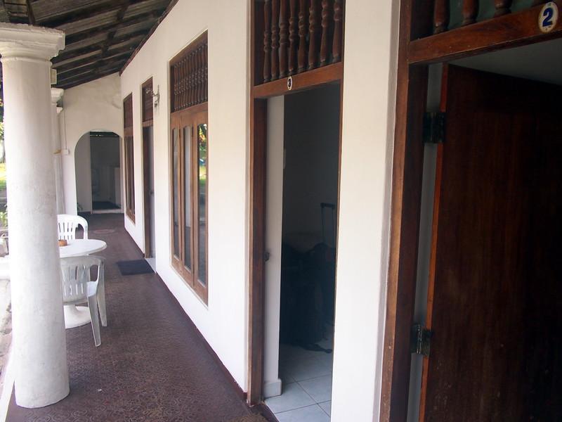 P2188706-weltevreden-hotel-verandah.JPG