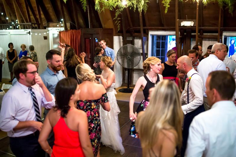Garrett & Lisa Wedding (717).jpg