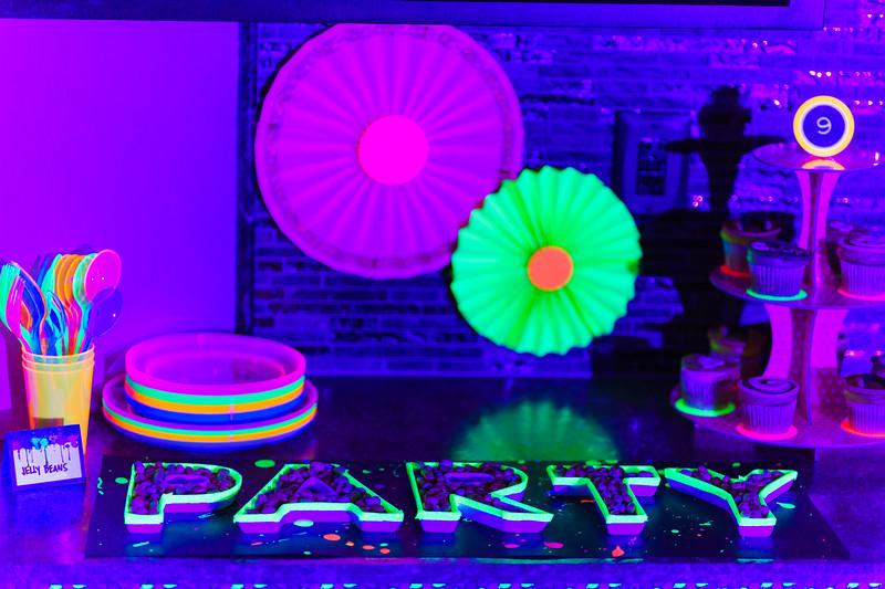 BlackLightParty-DSC03657.jpg