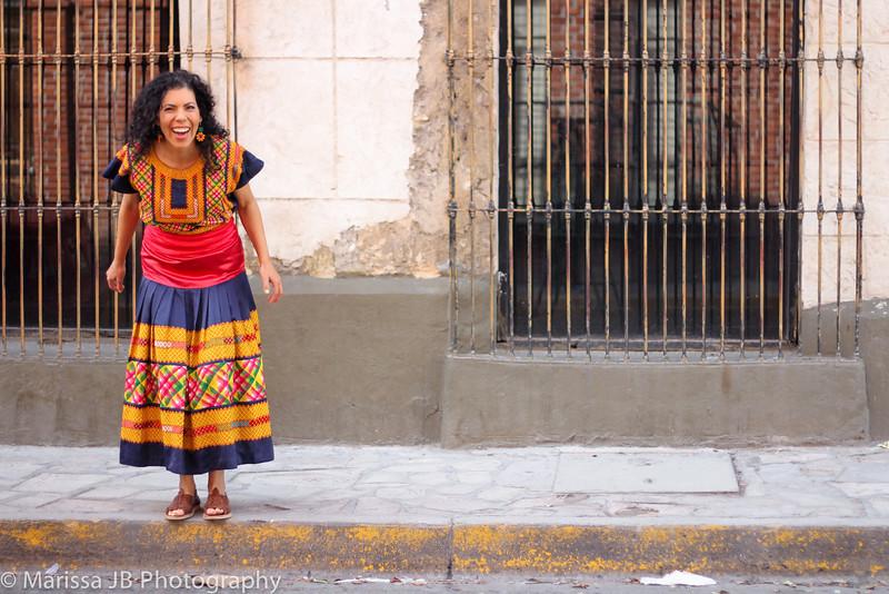 Dolores Canta en Barrio Antiguo