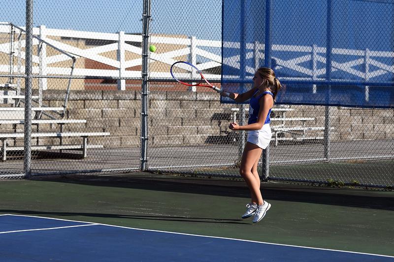girls_tennis_3889.jpg