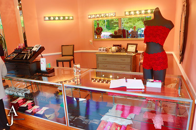 All Dolled Up Boutique Grand Opening