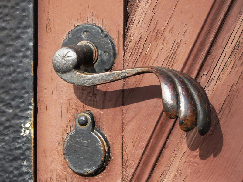 50-door handle