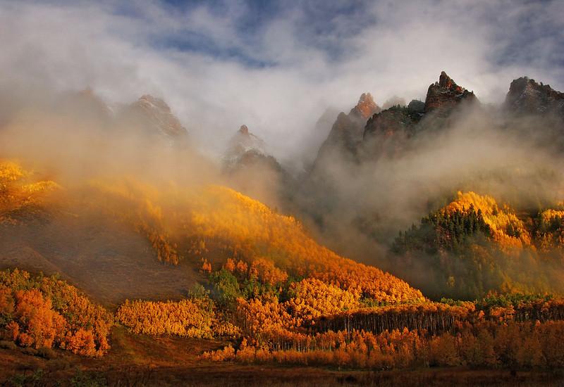 Misty morning, Maroon Bells, Colorado