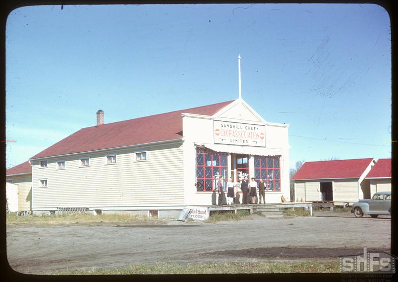 Sandhill Creek co-op store. Sandhill Creek. 09/27/1946.