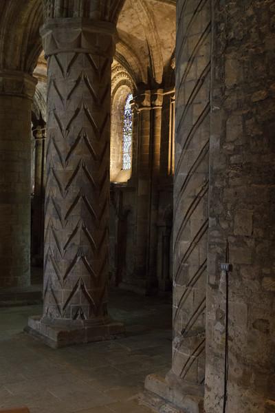Dunfermline Abbey - 07.jpg