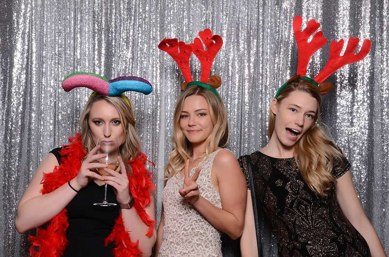 nwg residential holiday party 2017 photography-0050.jpg
