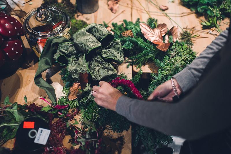 Pittsburgh Florist GreenSinner Wreath-19.jpg