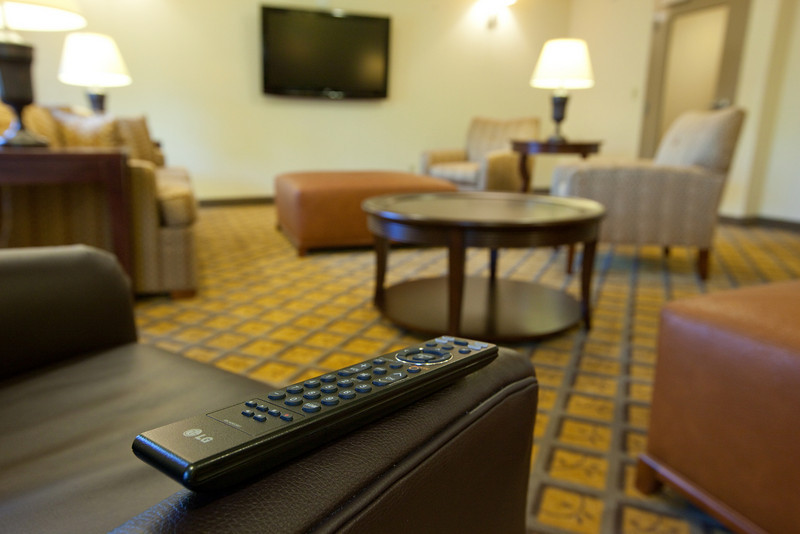 CANDLEWOOD SUITES FORT MYERS Living Room003.jpg