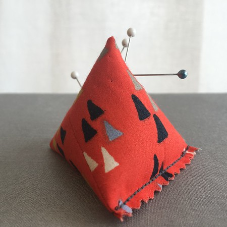Beehive Sewing Sew It Now! DIY Kit: #122 PYRAMID PIN CUSHION