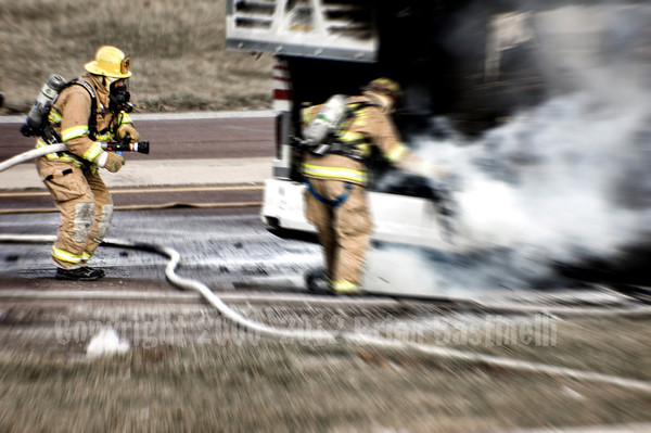 12JAN08- MANCHESTER TWP., YORK COUNTY, TOUR BUS FIRE