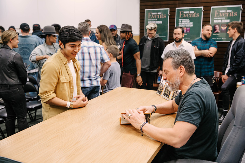 2019_2_28_TWOTW_BookSigning_SP_283.jpg