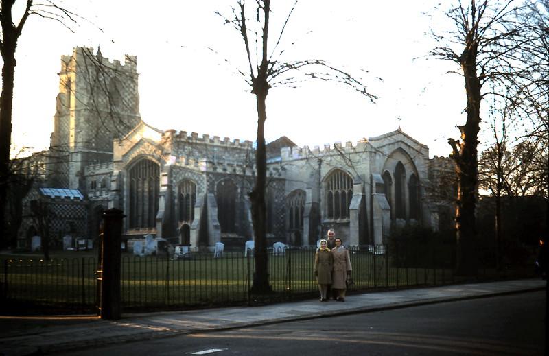 1960-2-7 (37) Luton Parish Church, Hughs in foreground.JPG
