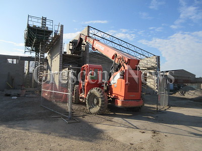 08-24-16 NEWS Defiance elem construction