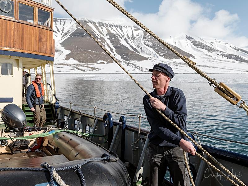 5-27-17021026fjord svalbard.jpg