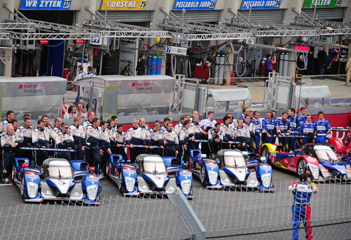 Le Mans Prerace Peugeot 908 teams.jpg