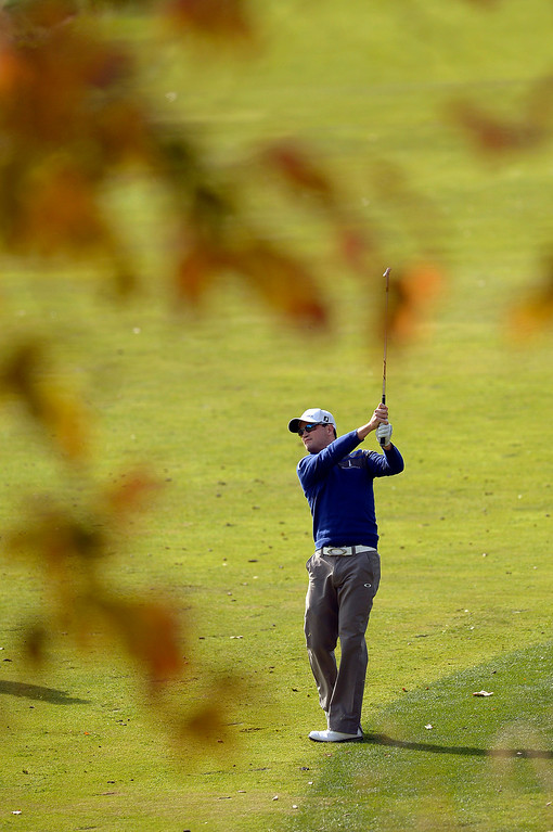 . Zach johnson hits an approach shot on the second hole during the final round of the Northwestern Mutual World Challenge golf tournament at Sherwood Country Club, Sunday December 8, 2013, in Thousand Oaks, Calif.(Andy Holzman/Los Angeles Daily News)