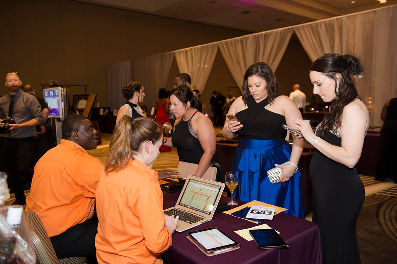 OVATION_SILENT_AUCTION - 017.jpg
