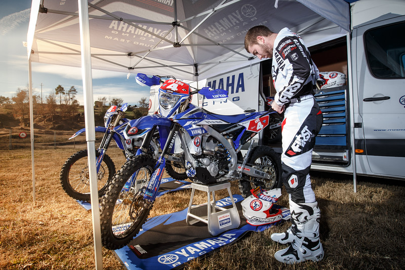 2016_Enduro2_Outsiders_Official_WR450F_Larrieu_Action 6.jpg