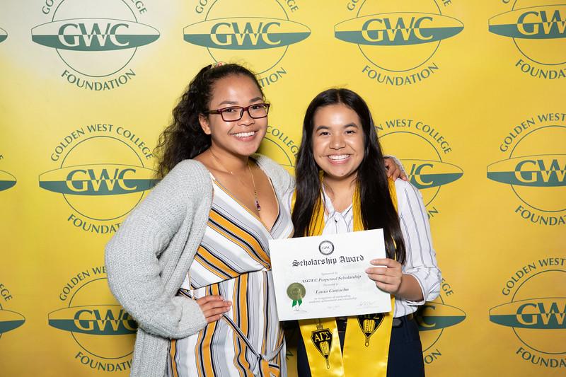 Scholarships-Awards-2019-0914.jpg